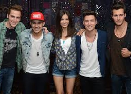 Big Time Rush and Victoria Justice at the Jiffy Lube Live