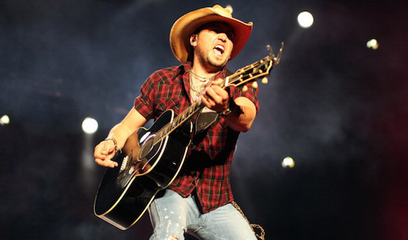 Jason Aldean, Thomas Rhett & A Thousand Horses at Jiffy Lube Live